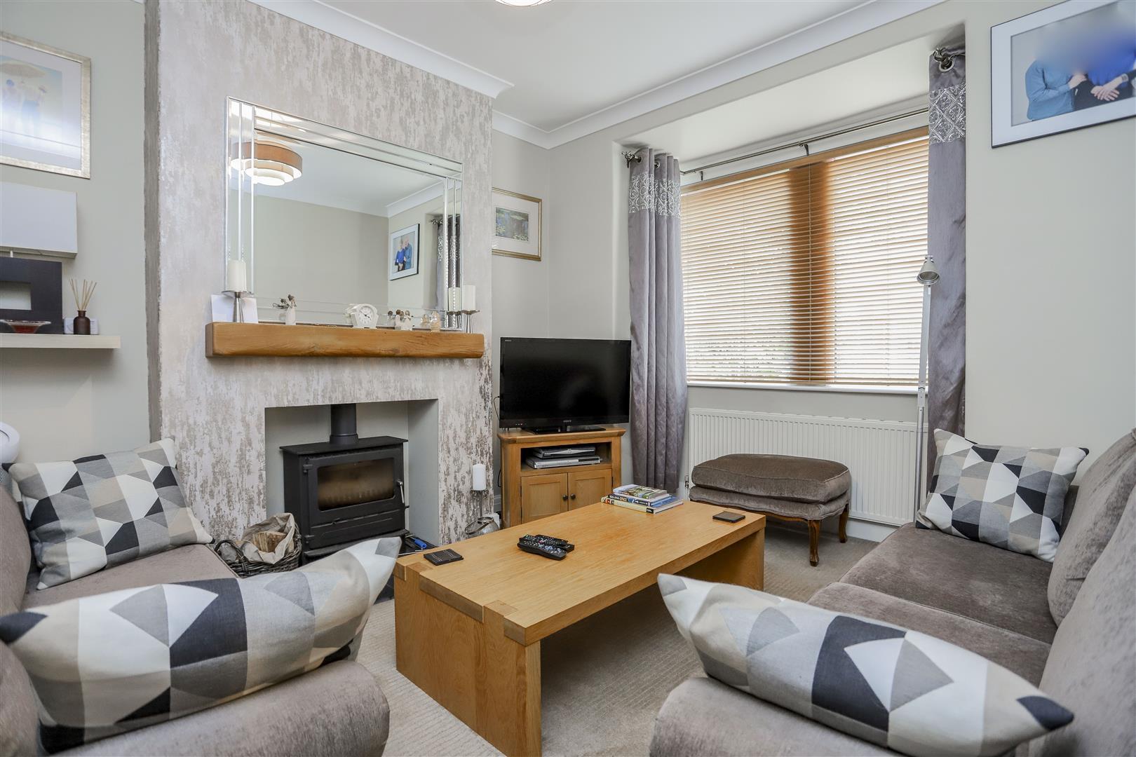 3 Bedroom Semi-detached House For Sale - 7.JPG